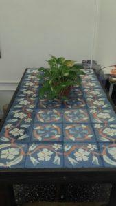 Mesas con mosaicos